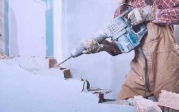Демонтаж кирпичных стен